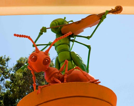 Ant & Grasshopper sculpture